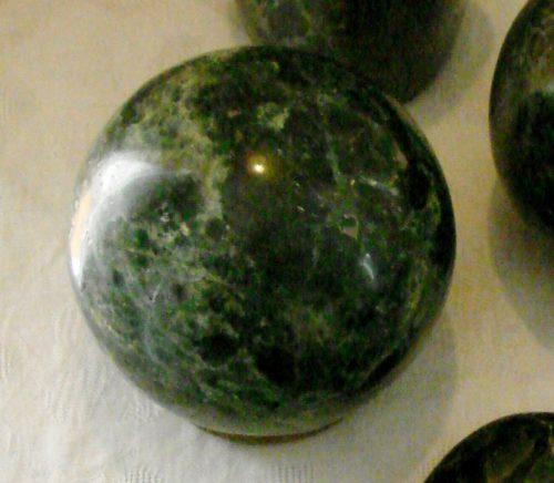 apatite boule cristaux pierres eau douleurs articulaires émotions